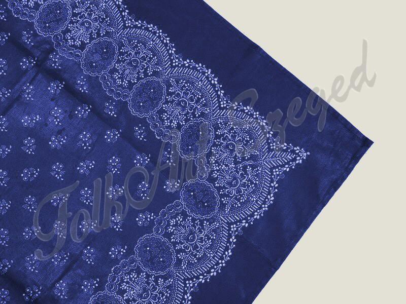 408. Kékfestő terítő, dús virágos, 80 x 80 cm