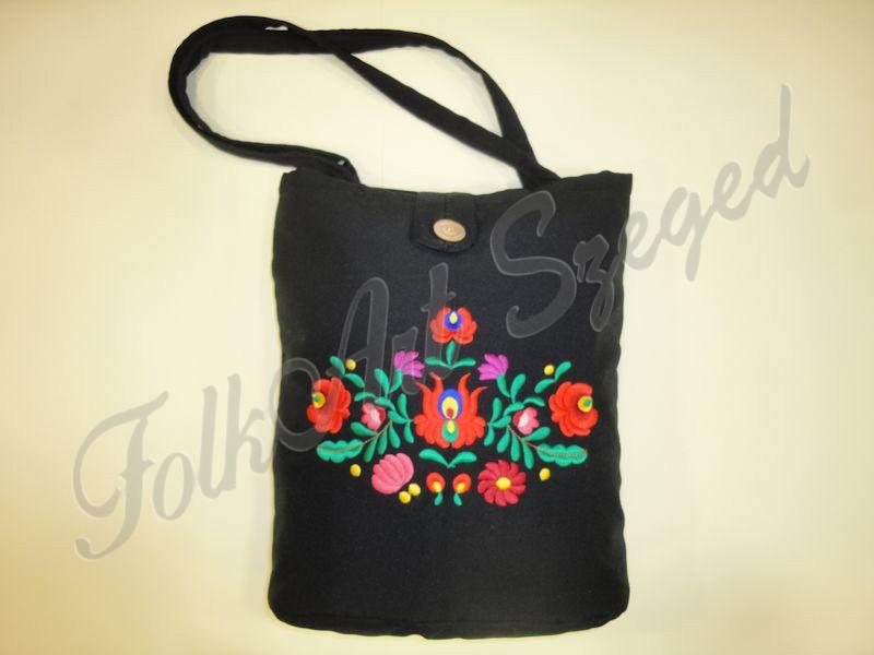 """993. Hímzett táska, színes """"matyó"""" virágos mintával"""