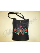 """993. Hímzett fekete táska """"matyó"""" virágos mintával"""