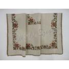 33. Kress vászon, kézzel hímzett terítő, koronás 80 x 80 cm, horgolt széllel