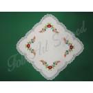 358. Kalocsai terítő színes hímzéssel, rishelt széllel, 50 x 50 cm
